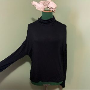 🖤 Antistar long sleeved batwing ruffled mock neck